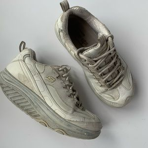 Sketchers Original Shape Up Sneakers In White